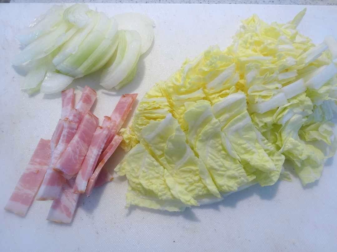 白菜とベーコンのスープ1