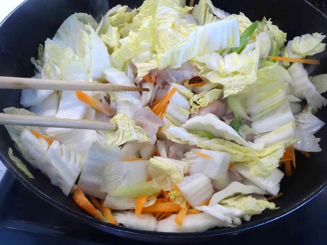 白菜と豚バラの中華炒め4