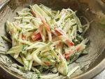 きゅうりとカニカマのサラダ作り方2